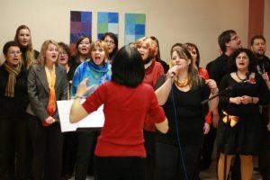 Fotografie z koncertu Brno Gospel Choir - zpěváci v plném nasazení